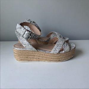 Chinese's Laundry Platform Sandal